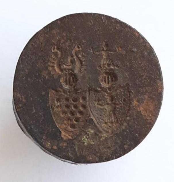 Allianzwappen der von Bülow und der von Gundlach, dieses Petschaft gehörte Emilie von Gundlach geb. Bülow (geboren 1819 in Schwerin)