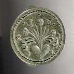 neuzeitlicher Siegelring, Initialen, Blumen sprießen aus dem Herzen, etwa um 1800, gespiegelt
