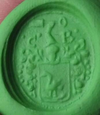 neuzeitliches Petschaft, Initialen, Vogel im Wappen, darüber Arm mit Spaten, etwa 17.Jh., Abdruck