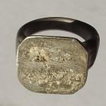 neuzeitlicher Siegelring mit fehlender Siegelplatte um 1800