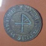 Greifswald Landesmuseum: mittelalterliches  Petschaft mit Hausmarke (gespiegelt)